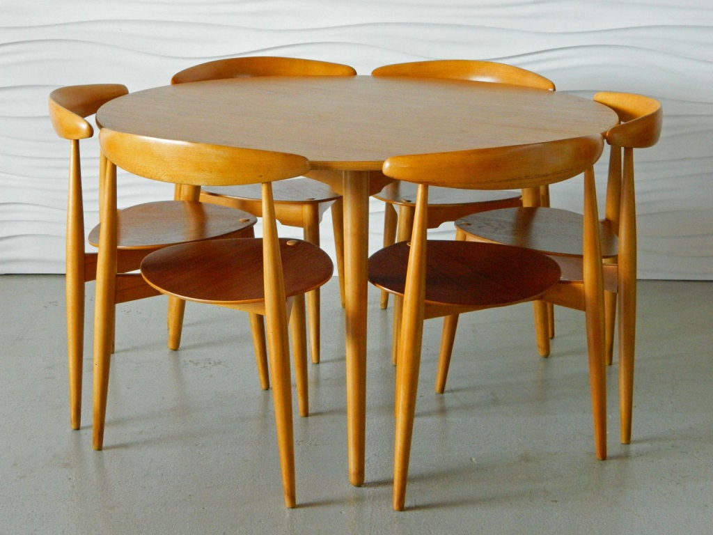 Heart Chair Hans Wegner Table And Six Heart Chairs At 1stdibs