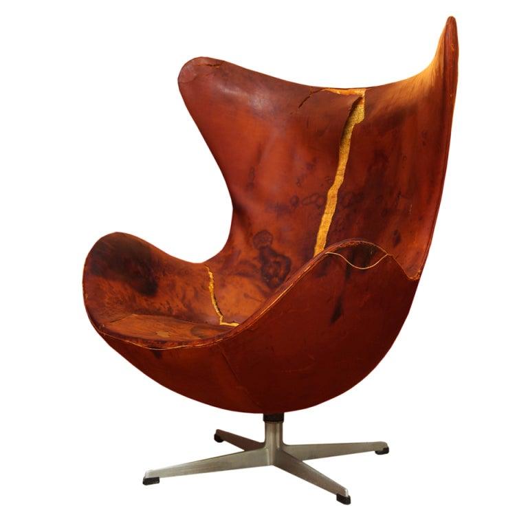Vintage Arne Jacobsen Leather Egg Chair for Fritz Hansen