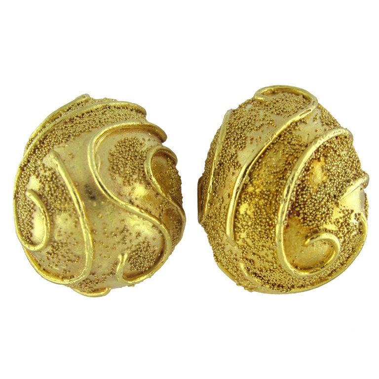 ELIZABETH GAGE Gold Earrings at 1stdibs