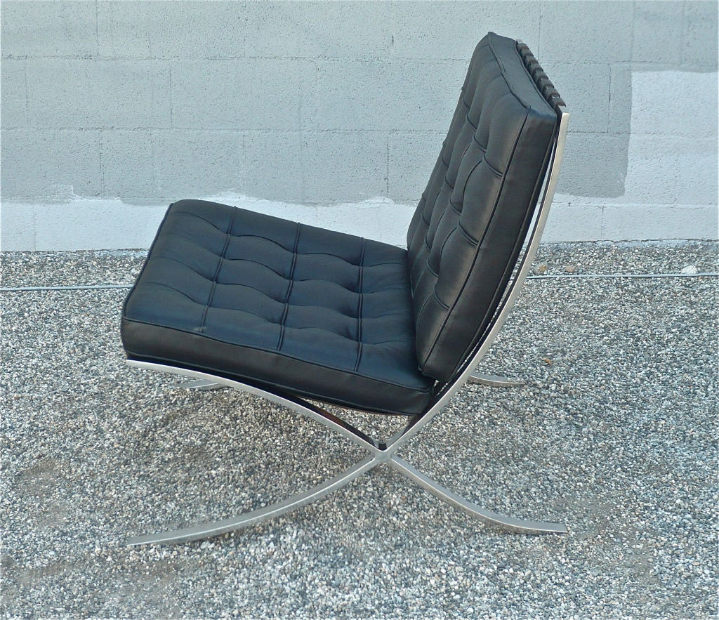 Barcelona Lounge Chair Knoll Quotbarcelona Quot Lounge Chair At 1stdibs