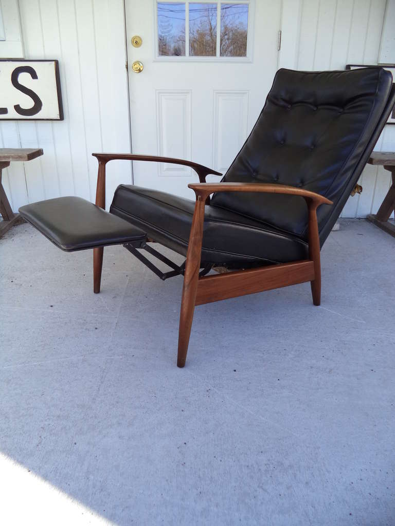 Milo Baughman Thayer Coggin Recliner Lounge Chair at 1stdibs