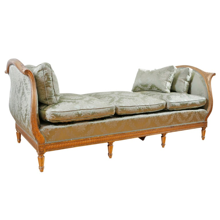 Antique French Louis XVI Style Daybed In Carved And Gilded