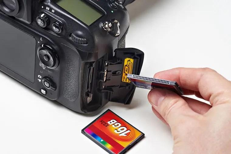 SDカードとCFカード