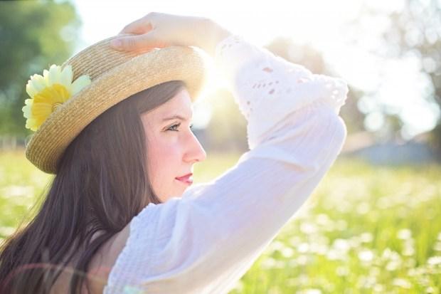 pretty-woman-1509959_1280