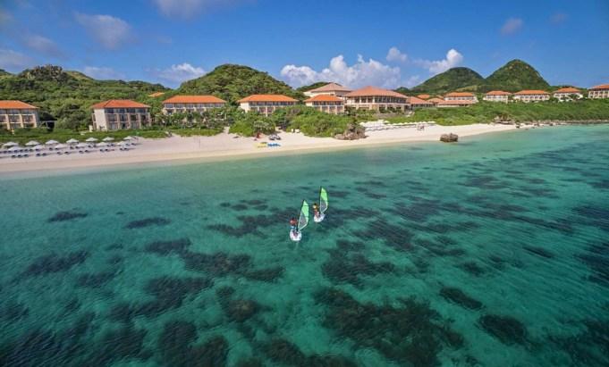 日本石垣島離台灣只需要55 分鐘的航程就可以抵達,是距離台灣最近的海洋度假天堂。