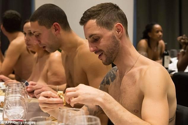 naked restaurant 3