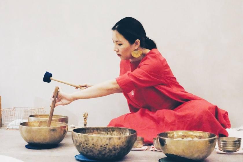 Minutes 去年遠赴緬甸參加了 Vipassana 靈修營,10天的內觀冥想沒有電話,也不准談話,卻讓她感到很奢侈、很幸福。(受訪者提供)