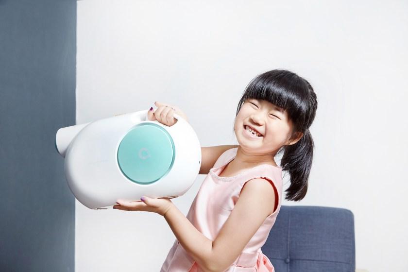 天淨TI-無線快速滅菌機滅菌機體型輕巧、設計簡單,連小朋友都可以自行使用。