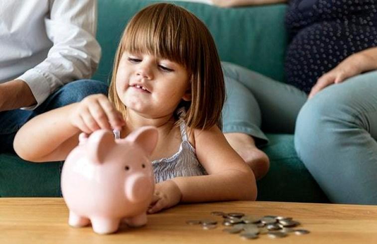 girl-save-money.jpg