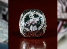 Eagles' Super Bowl ring features 219 diamonds, 17 sapphires