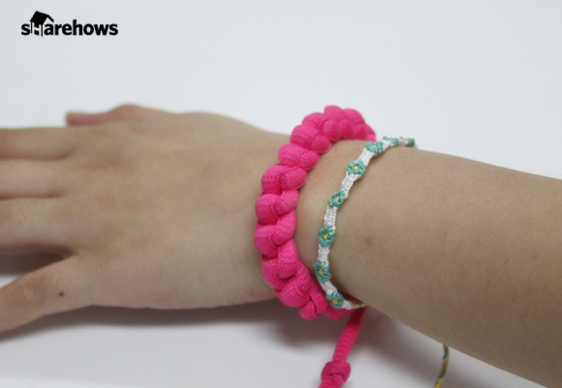 a-bracelet-made-with-shoelace 14
