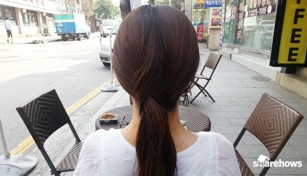 머리끈 없이 머리 묶는 방법