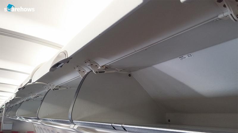 airplane-etiquette 01