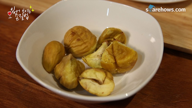 easy way to peel chestnuts 05