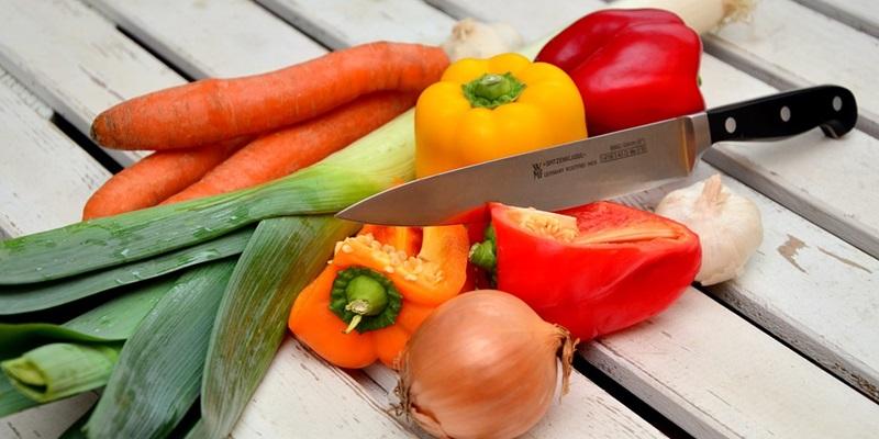주방 필수품인 칼과 도마 잘 고르는 법