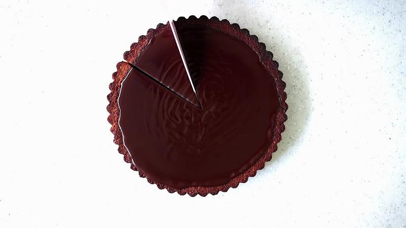 Cinnamon Chocolate with Pecan Crust 01