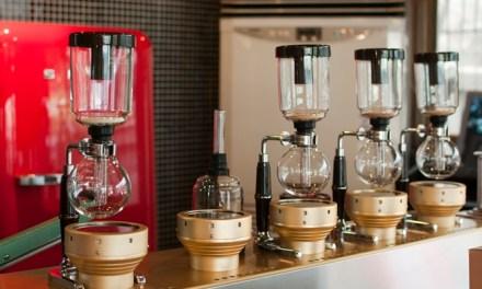 나는 종종 5,500원짜리 커피를 먹는다