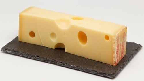Emmental_(fromage)_01