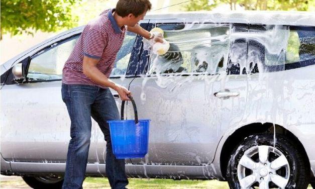 자동차 엔진룸, 과연 물로 세척해도 되는 것일까?