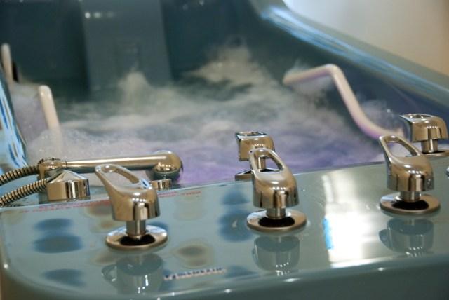 Ручний підводний гідромасаж