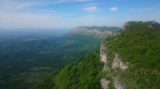 Running the ridge to 10km north of Ledenika