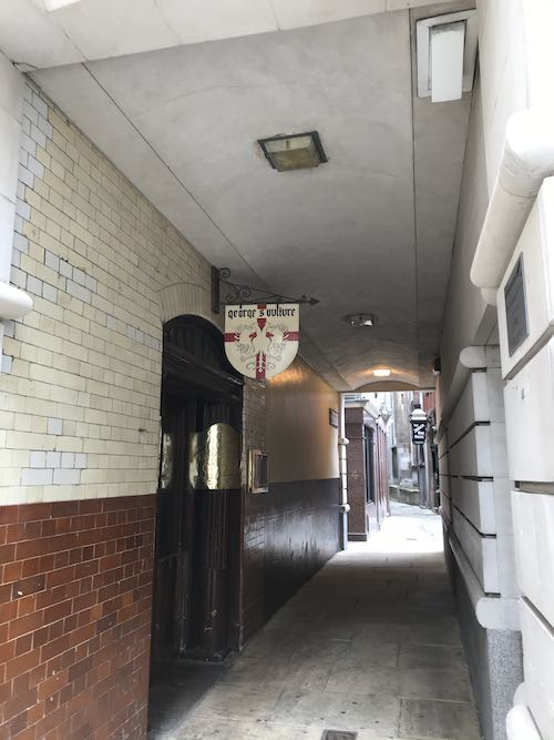 Exploring the alleyways of the city of London