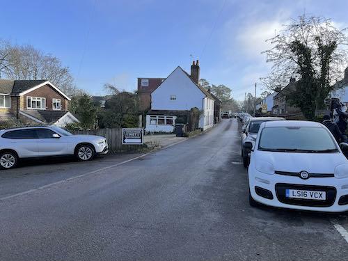 Cross Long Lane on the Chorleywood Common & Philipshill Wood walk