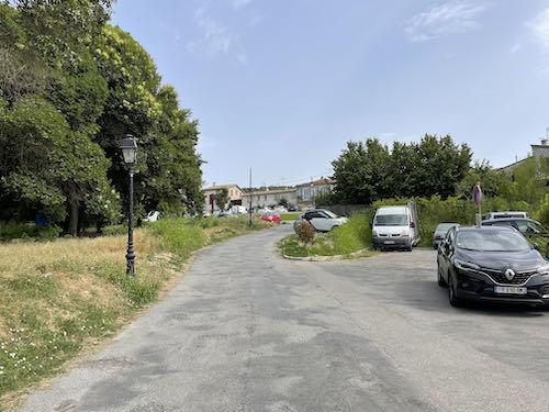 A hidden car park at the start of the La Colle to Tourette walk