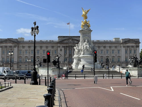 The palace on the central London parks walk