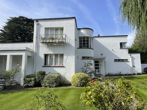 On the Pinner to Stanmore country walk you'll find art deco houses