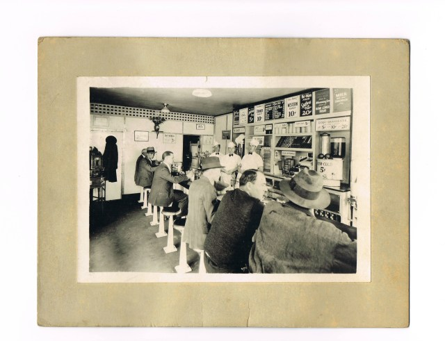 Tavern photo inside circa 1934