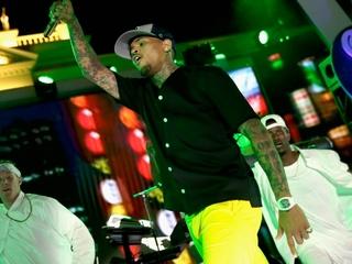Riot Erupts outside NJ Chris Brown concert