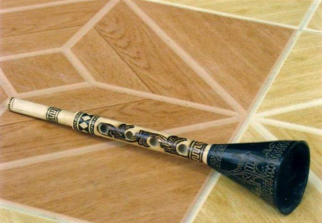 Alat musik tradisional Serunai