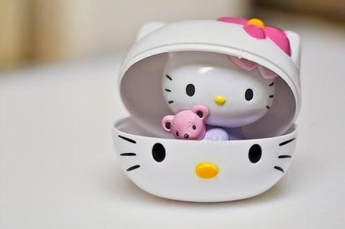 Gambar Hello Kitty dengan Wadah