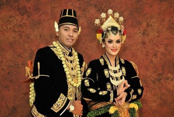 Busana Pengantin Adat Keratn Yogyakarta Pdf Image Num 2