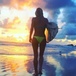 Shannon Davidson with Beach Sunrise