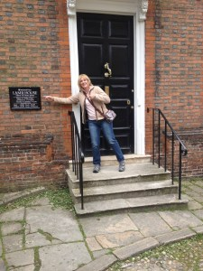 Sharon at Lamb House but no one is home.