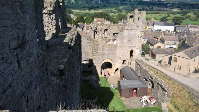 at middleham castle2