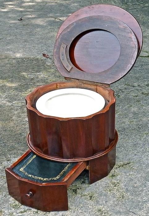 chamber pot round