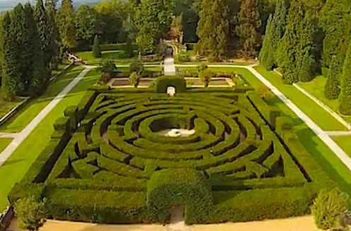 Chatsworth House maze