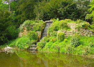 Farnborough cascade