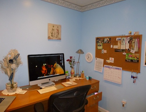 My desk and iMac. Where the magic happens!