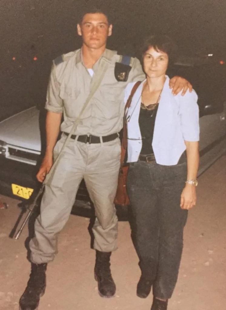 גל רודובסקי ואימו