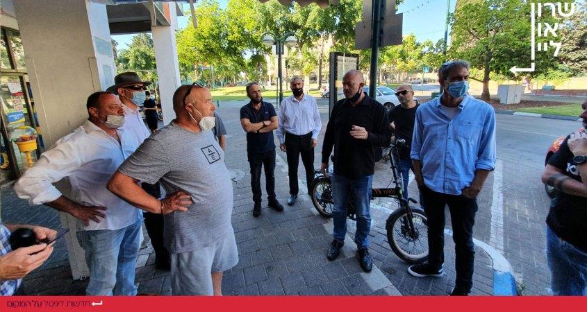 אבי גרובר ראש העיר רמת השרון פוגש בעלי עסקים