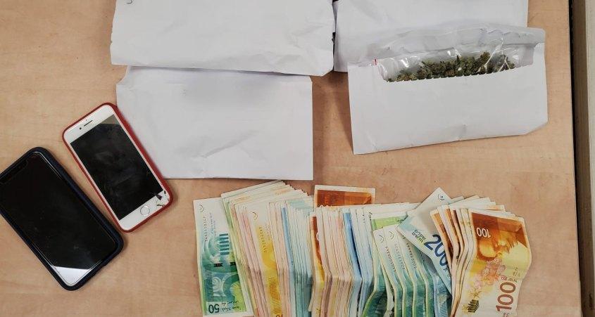 תפיסה סמים על ידי המשטרה ברמת השרון 04.03.2021