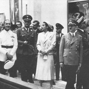 Hitler visits the exhibition