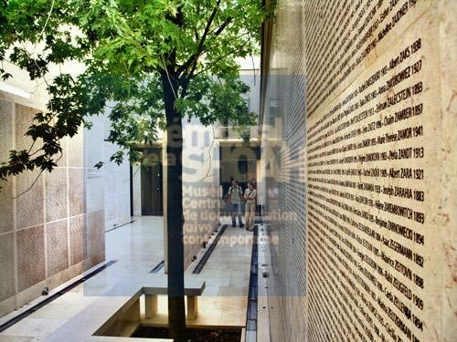 Memorial-de-la-shoah-mur-blog-hotel-jeu-de-paume-paris