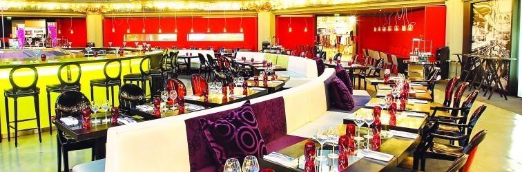 comfortable seating in brasserie restaurant paris