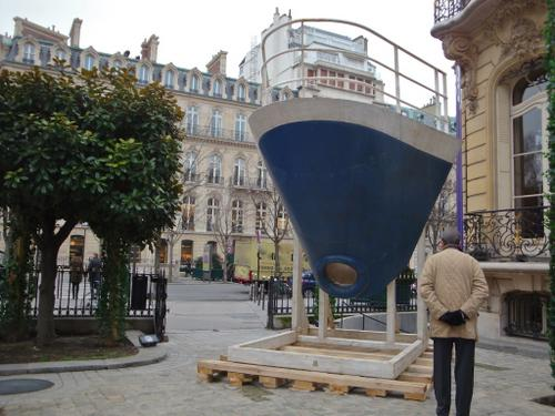 nose of ship France ready for auction