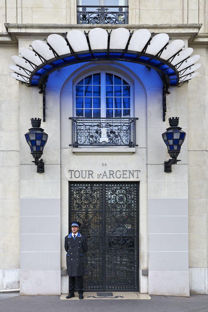 entrance to the tour d'argent